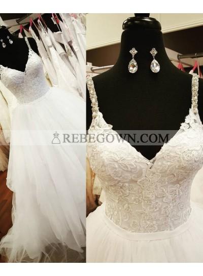2021 Unique White V-Neck Appliques Beading Long Floor length Tulle Prom Dresses