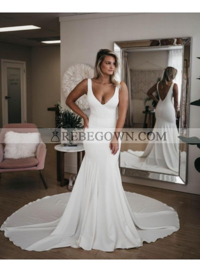 2021 Mermaid Sexy Wedding Dresses Satin V-Neck Backless Long Train