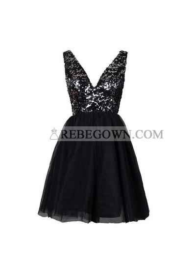 Deep V-Neck Backless Sequins  Black Short Homecoming Dress