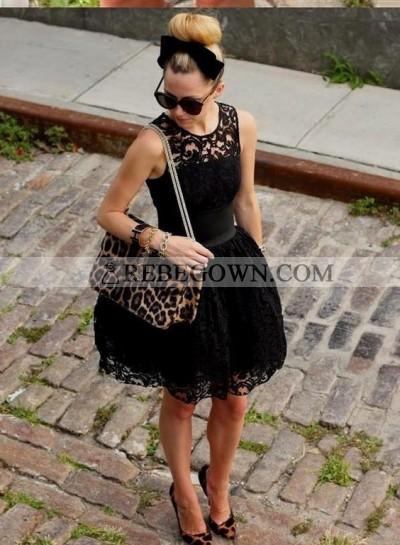 A-Line Jewel Short Black Lace Homecoming Dress 2020