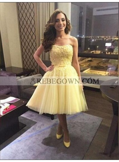 A-Line Strapless Above-Knee Daffodil Tulle Homecoming Dress 2021 with Appliques