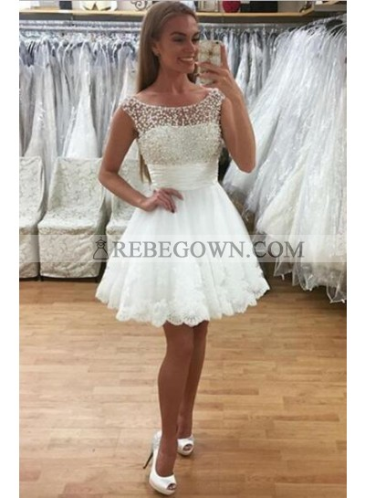 Princess/A-Line Crew Neck Short White Homecoming/Prom Dresses with Lace Beading