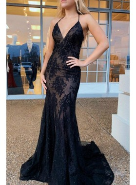 2021 Black Sheath Sweetheart Halter Lace Backless Long Prom Dresses
